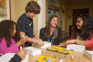children making memory boxes with Care Dimensions child life specialist